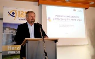 Vorsitzender Dr. Reinhard Hunold erläuterte die palliativmedizinischen Strukturen im Kreis Olpe