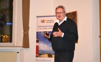 Dr. Reckinger fesselte die Besucher mit seinen Ausführungen aus der Praxis